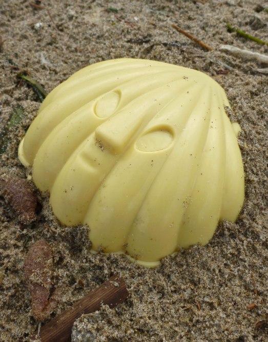 Plastic seashell